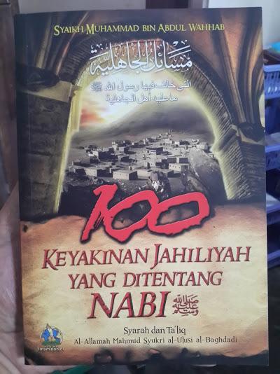 Buku 100 Keyakinan Jahiliyah Yang Ditentang Nabi Cover