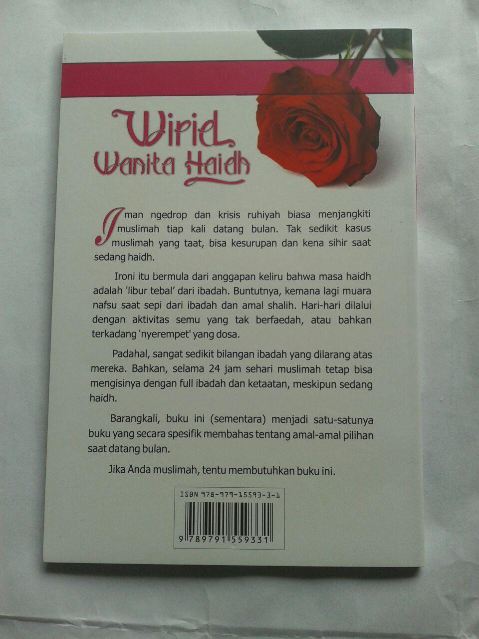 Buku Wirid Wanita Haidh Amal Pilihan Saat Datang Bulan cover 2