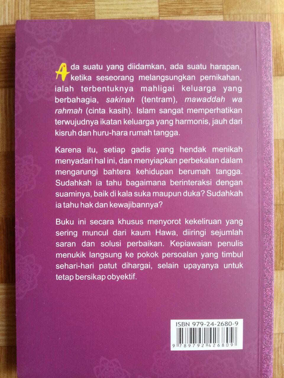 Buku Menjadi Istri Paling Bahagia cover