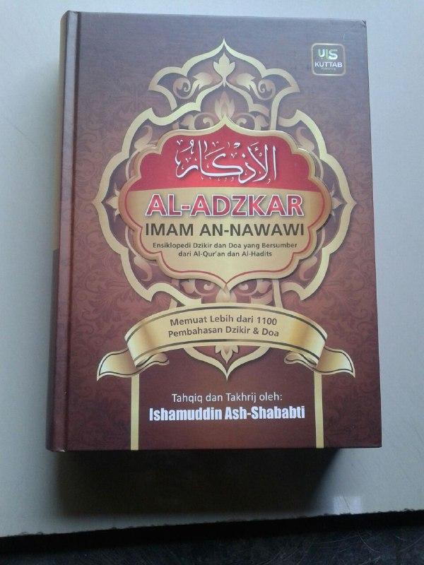 Buku Al-Adzkar Imam An Nawawi Ensiklopedi Dzikir dan Doa cover