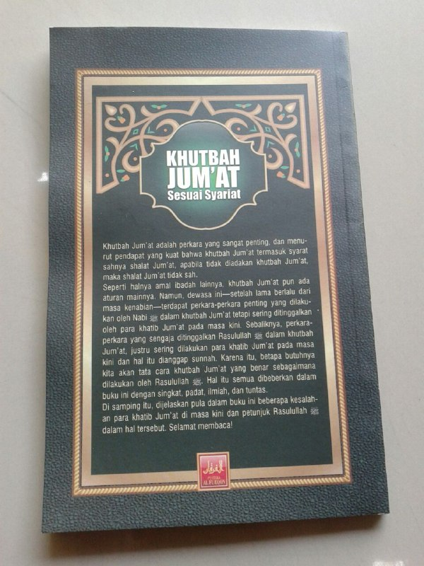 Buku Khutbah Jumat Sesuai Syariat cover