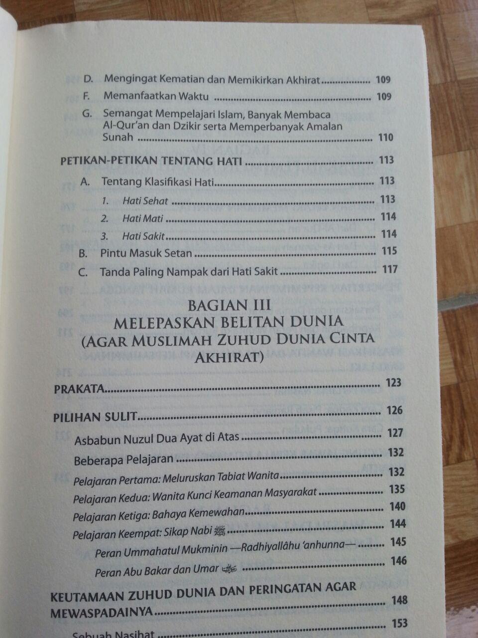 Buku Panduan Tarbiyah Wanita Shalihah isi