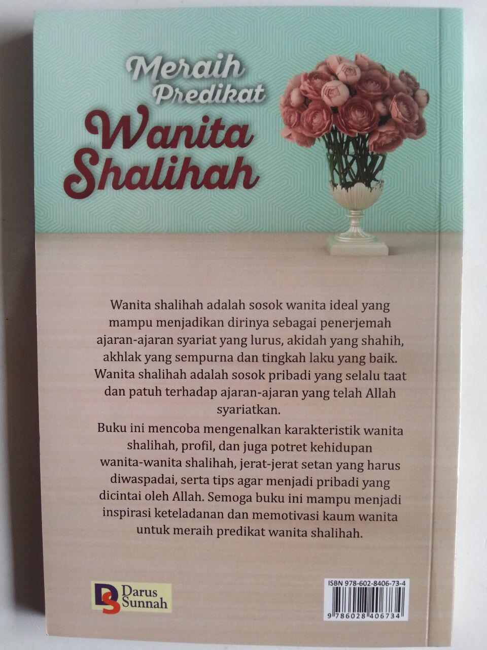 Buku Meraih Predikat Wanita Shalihah cover