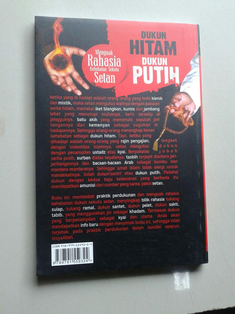 Buku Dukun Hitam Dukun Putih Menguak Rahasia Kehebatan Sekutu Setan cover 2