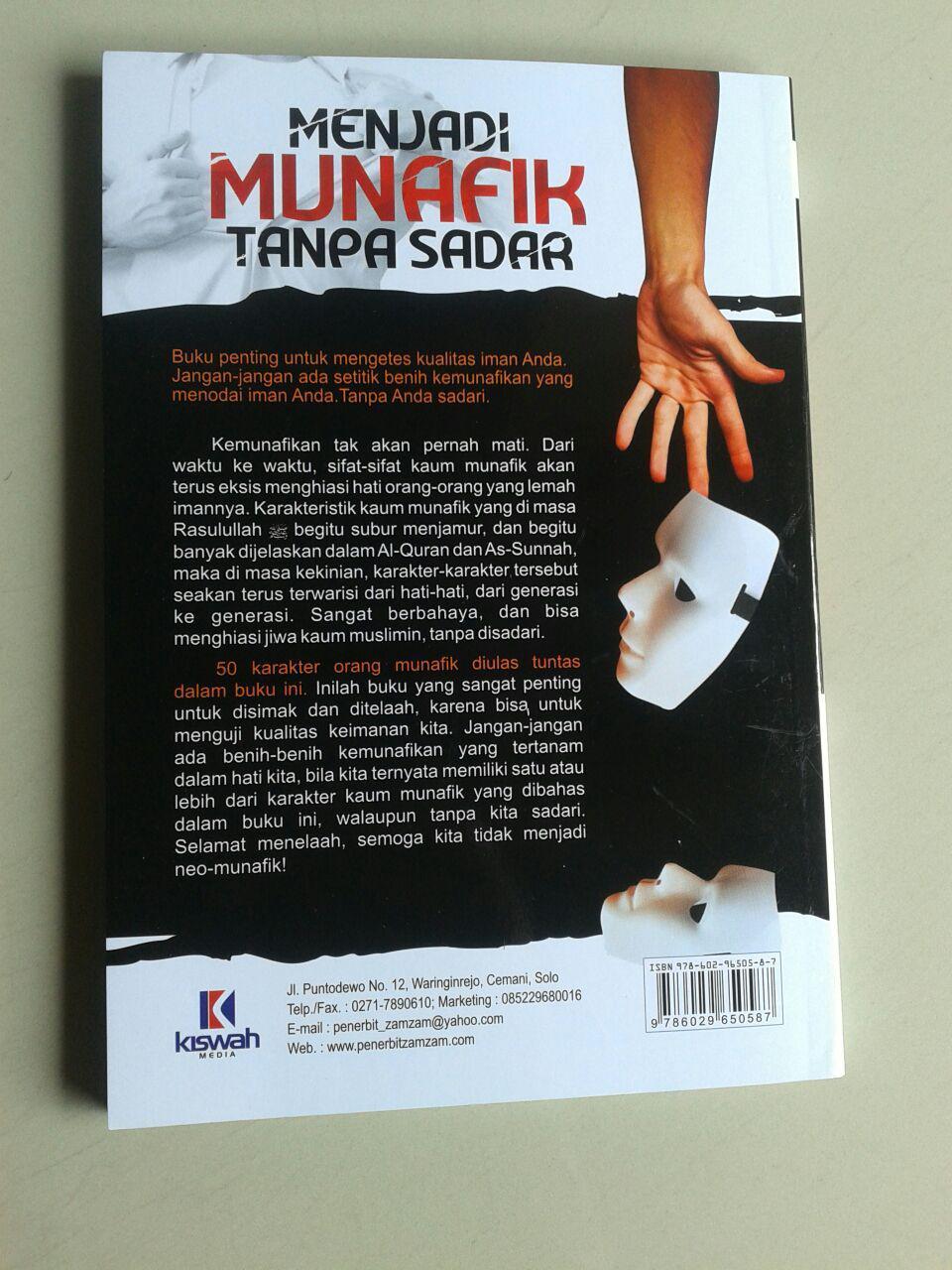 Buku Menjadi Munafik Tanpa Sadar Membedah 50 Karakter Munafik cover 2