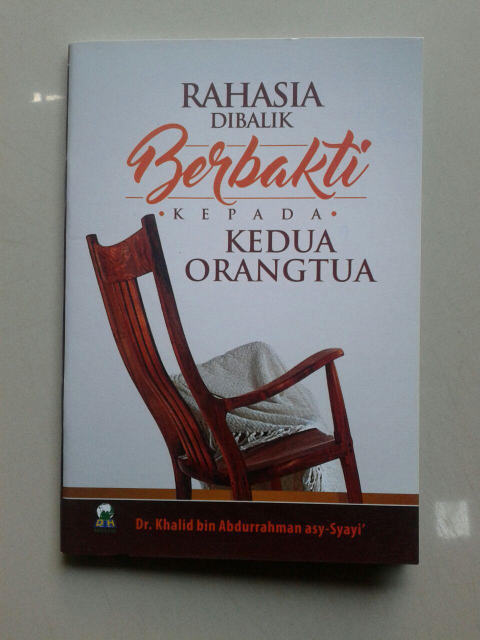 Buku Saku Rahasia Dibalik Berbakti Kepada Kedua Orangtua cover 2