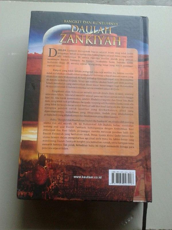 Buku Bangkit Dan Runtuhnya Daulah Zankiyah cover