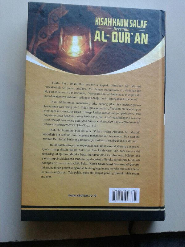 Buku Kisah Kaum Salaf Bersama Al-Qur'an cover