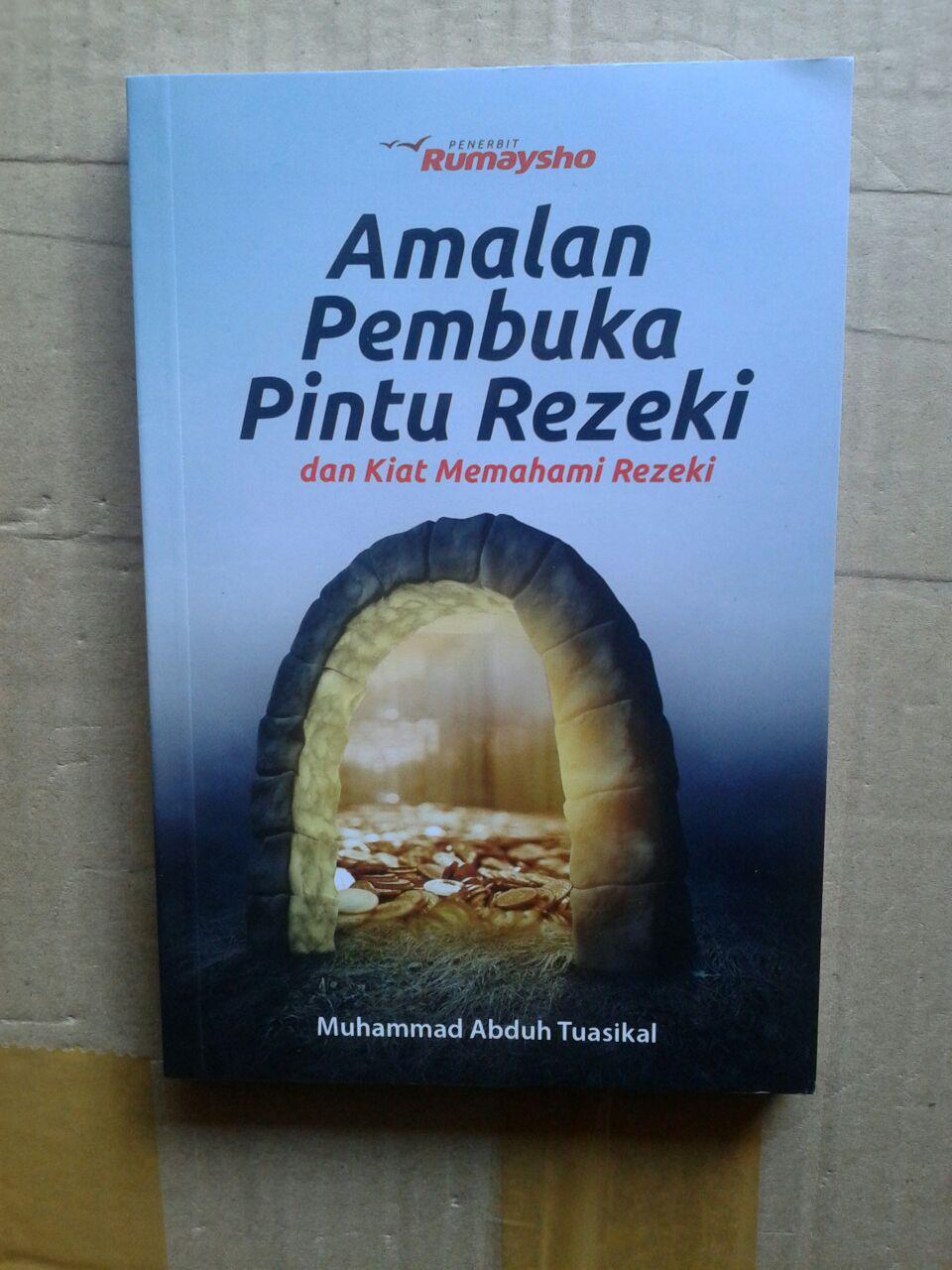 Buku Amalan Pembuka Pintu Rezeki Dan Kiat Memahami Rezeki cover