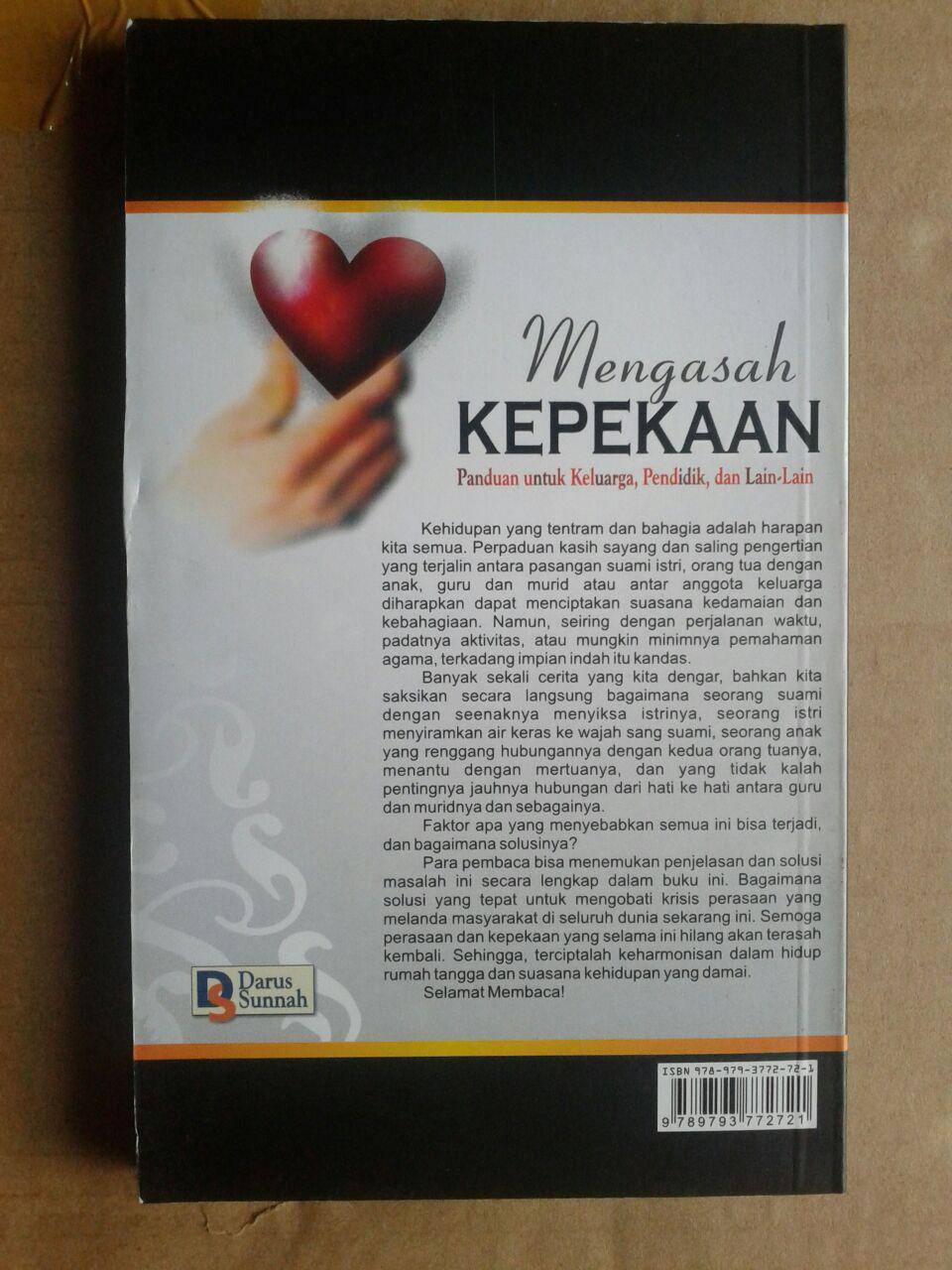 Buku Mengasah Kepekaan Panduan Untuk Keluarga Pendidik cover 2
