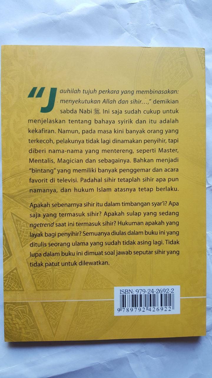 Buku Mengungkap Praktis Sihir Dan Sulap 16.000 15% 13.600 Pustaka At-Tazkia cover 2