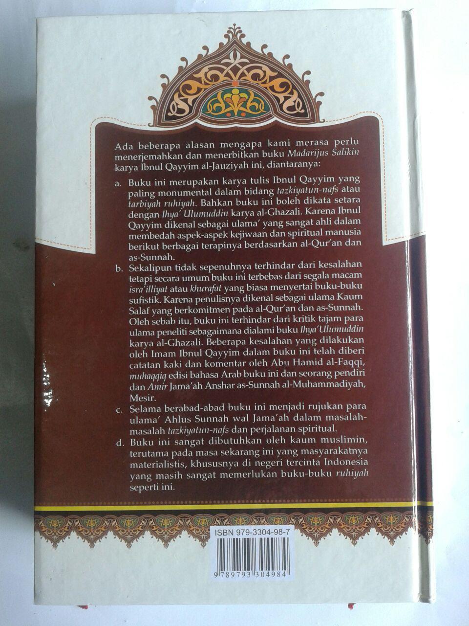 Buku Intisari Madarijus Salikin Jenjang Spiritual Jalan Ruhani cover