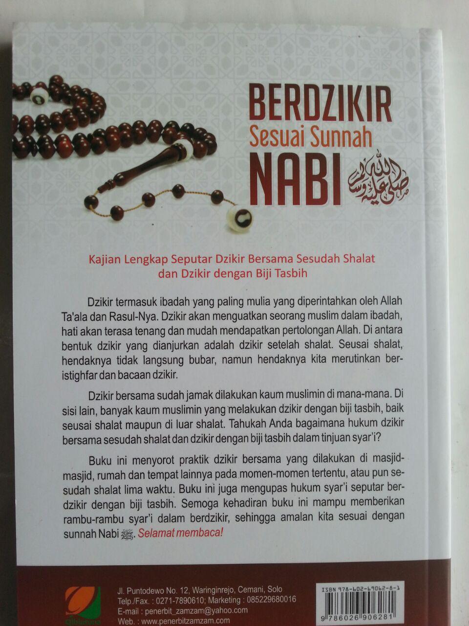 Buku Berdzikir Sesuai Sunnah Nabi Kajian Lengkap Seputar Dzikir Bersama cover