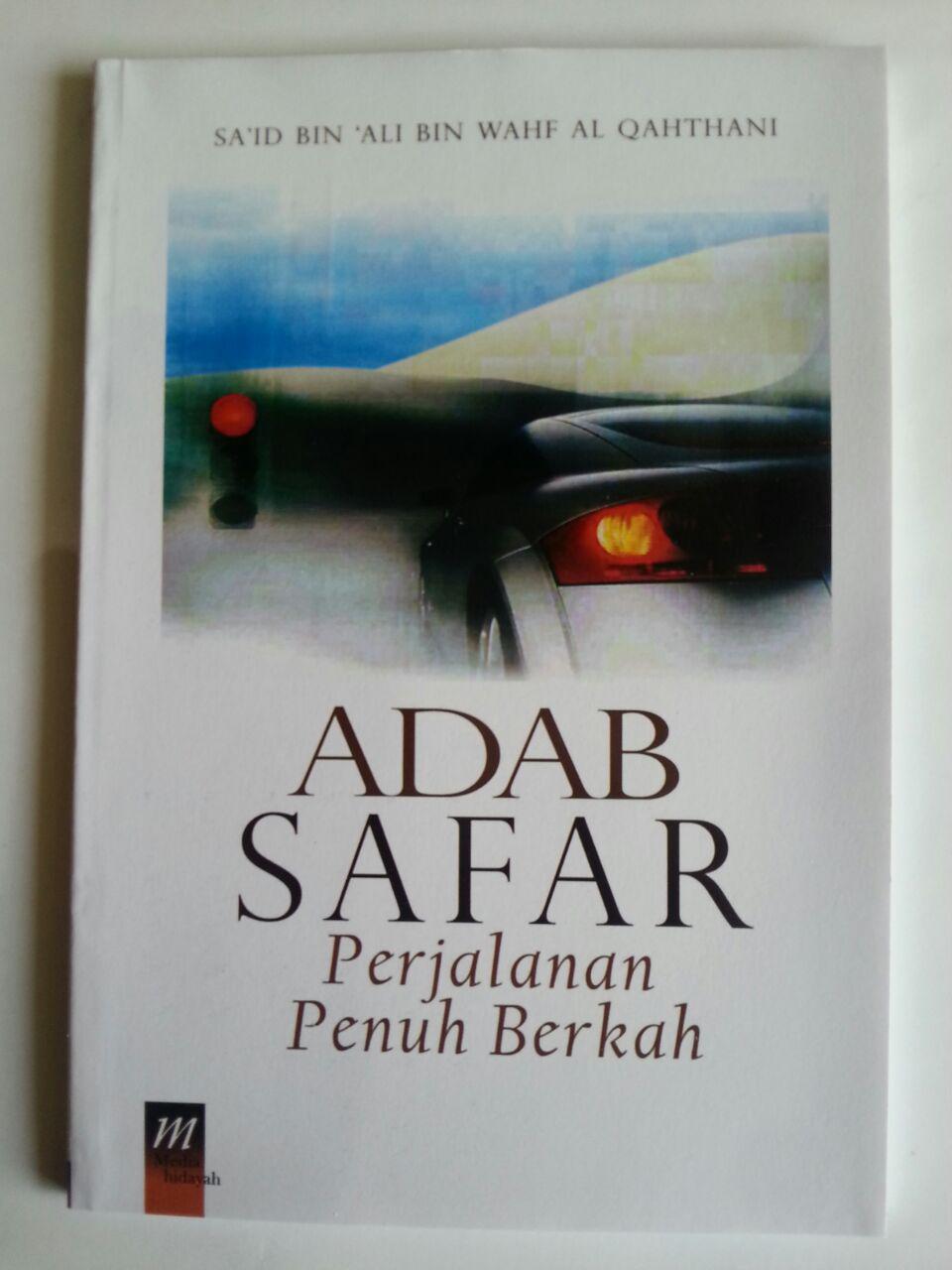 Buku Adab Safar Perjalanan Penuh Berkah cover 2