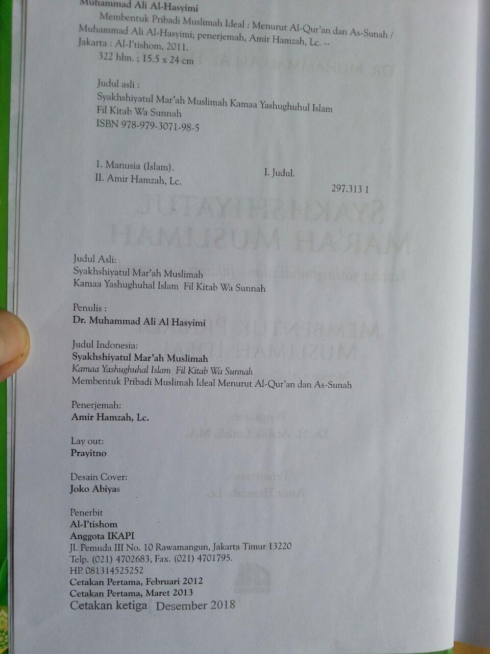 Buku Syakhshiyatul Mar'ah Al-Muslimah Membentuk Pribadi Muslimah Ideal isi 2