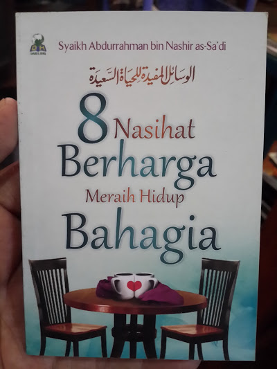 Buku Saku 8 Nasihat Berharga Meraih Hidup Bahagia Cover