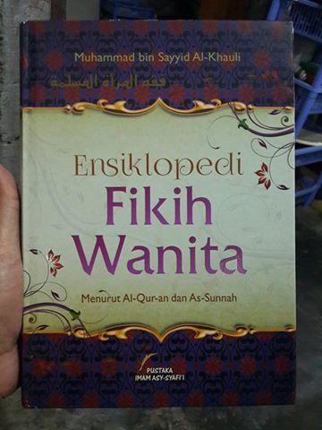 Ensiklopedi fikih wanita buku cover