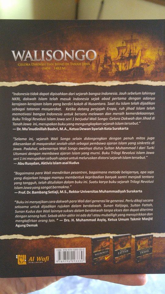 Walisongo Gelora Dakwah Dan Jihad Di Tanah Jawa Buku cover 2