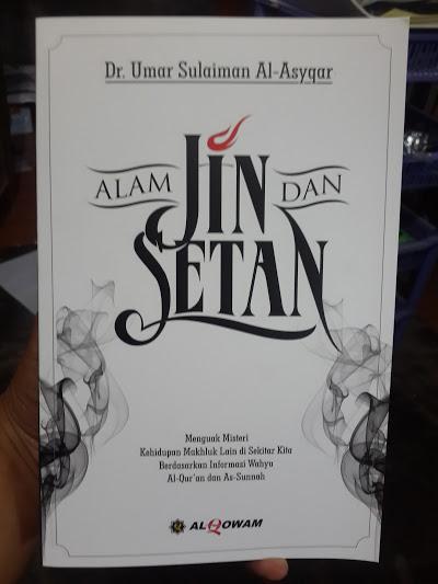 Buku Alam Jin Dan Setan Cover