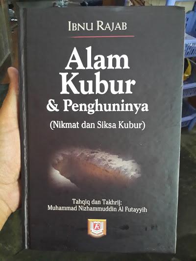 Buku Alam Kubur Dan Penghuninya Cover