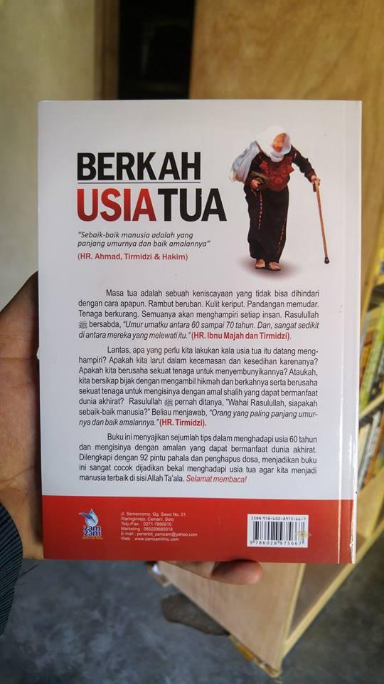 Buku Berkah Usia Tua Tuntunan Islami Mengisi Umur 60 Tahun cover 2