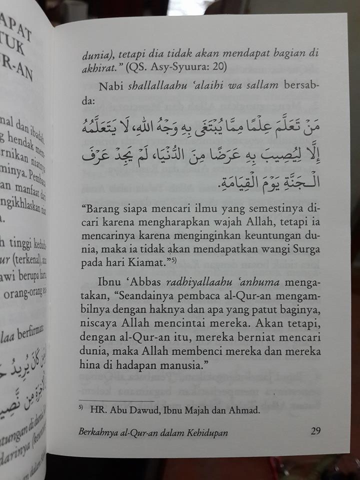 Buku Saku Berkahnya Al-Qur'an Dalam Kehidupan Isi