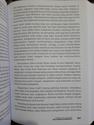 Buku Biografi Empat Imam Mazhab Isi