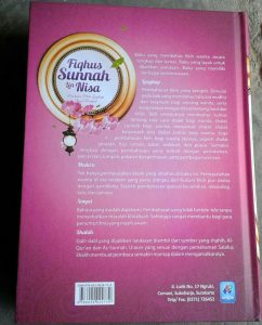 Buku Fiqhus-Sunnah LinNisa Panduan Fikih Lengkap Bagi Wanita cover