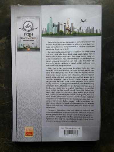 Buku Fiqih Kontemporer Berdasarkan Dalil Dan Kaidah Ilmiyah Cover Belakang