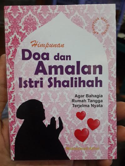 Buku Saku Himpunan Doa Dan Amalan Istri Shalihah Cover