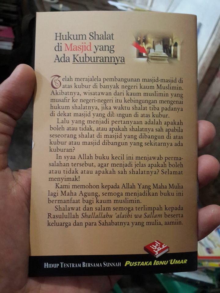Buku Saku Hukum Shalat Di Masjid Yang Ada Kuburannya Cover 2