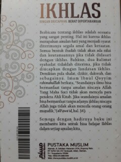 Buku Saku Ikhlas Ringan Diucapkan Berat Dipertahankan Cover 2