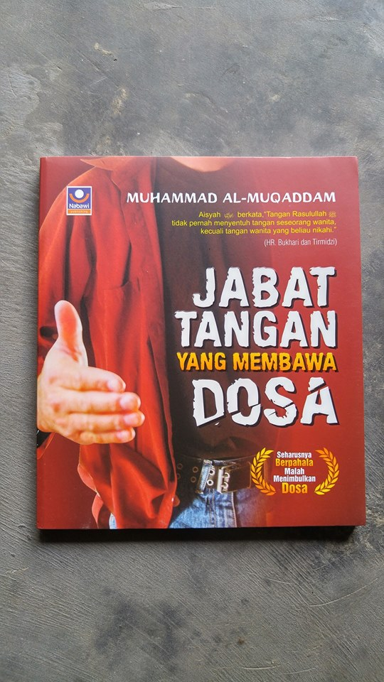 Buku Jabat Tangan Yang Membawa Dosa cover