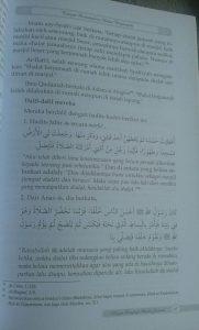 Buku Kajian Lengkap Shalat Jamaah Hukum Manfaat Permasalahan isi 4