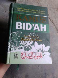 Buku Kamus Bid'ah Disarikan Dari Buku Buku Syaikh Al-Albani cover 2