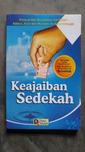 Buku Keajaiban Sedekah cover