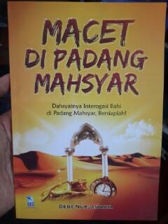 Buku Macet Di Padang Mahsyar Cover
