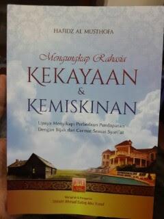 Buku Mengungkap Rahasia Kekayaan Dan Kemiskinan Cover