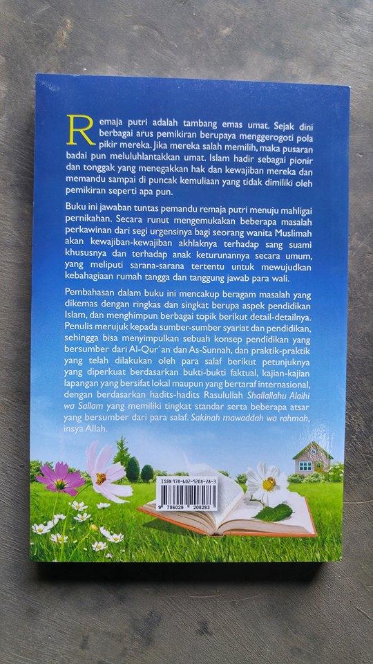 Buku Panduan Remaja Putri Menuju Mahligai Pernikahan cover 2
