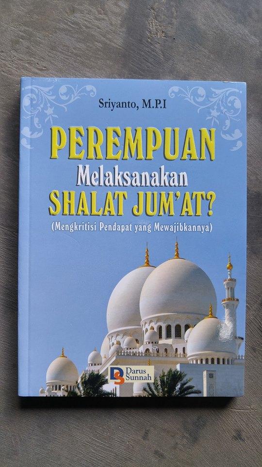 Buku Perempuan Melaksanakan Shalat Jum'at cover
