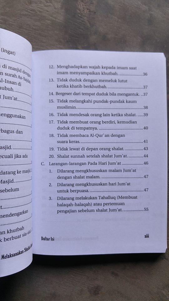 Buku Perempuan Melaksanakan Shalat Jum'at isi 2