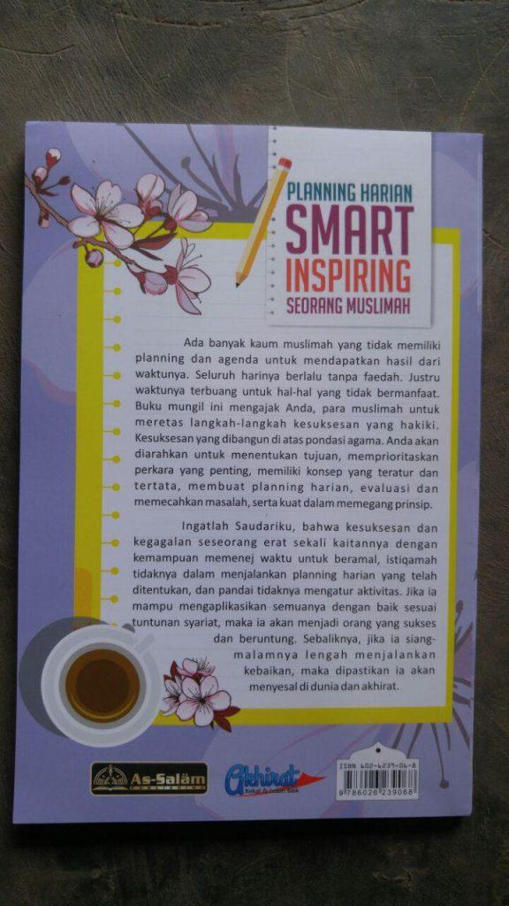 Buku Planning Harian Smart Inspiring Seorang Muslimah cover 2