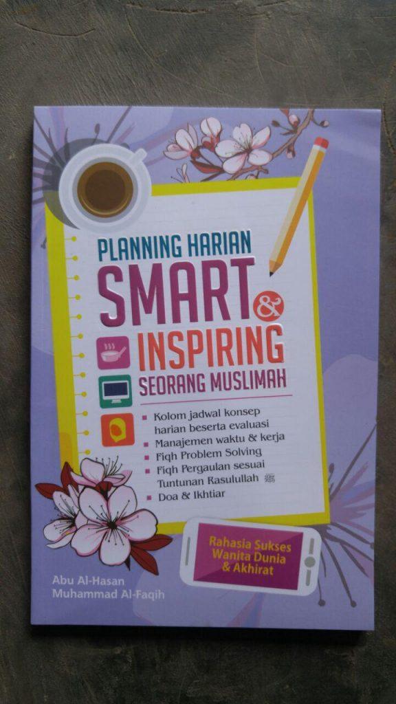 Buku Planning Harian Smart Inspiring Seorang Muslimah cover