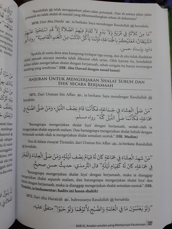 Buku Riyadhus Shalihin Meneladani Sunnah Menggapai Surga Isi
