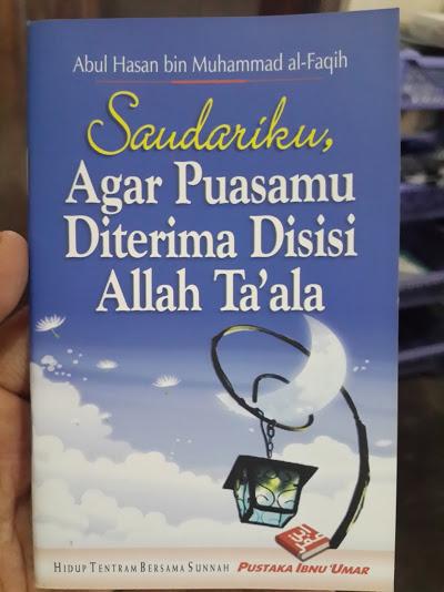 Buku Saku Saudariku Agar Puasamu Di terima Di Sisi Allah Cover