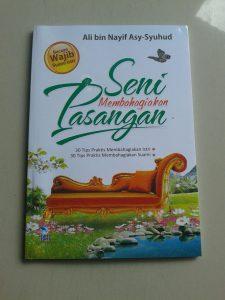 Buku Bacaan Wajib Suami Istri Seni Membahagiakan Pasangan cover 2