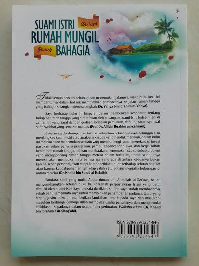 Buku Suami Istri Dalam Rumah Mungil Penuh Bahagia Cover Belakang