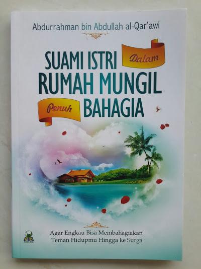 Buku Suami Istri Dalam Rumah Mungil Penuh Bahagia Cover