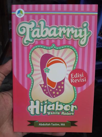 Buku Tabarruj Hijaber Wanita Modern Cover