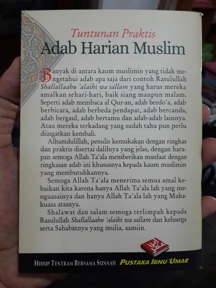 Buku Saku Tuntunan Praktis Adab Harian Muslim Isi